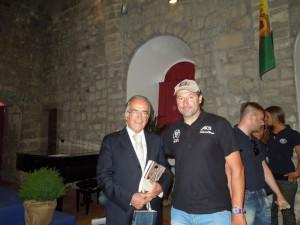 Prof Dino Amadori Direttore scientifico IRST IRCCS; Marco Canunzi Pres Scuola Indoor Cycling AICS